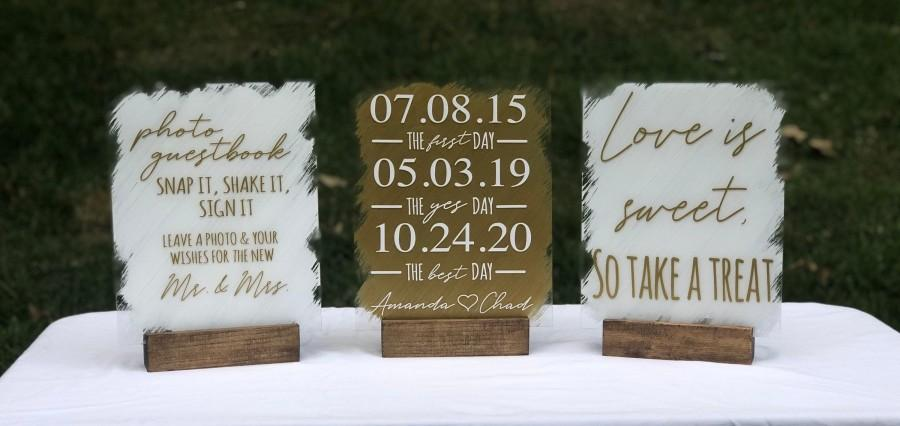 Hochzeit - Custom Acrylic Wedding Sign