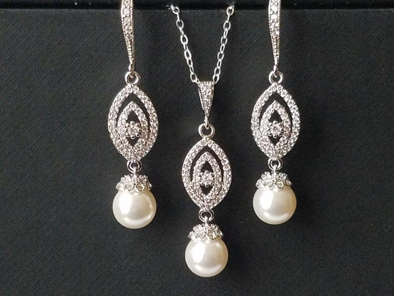 Свадьба - Pearl Bridal Jewelry Set, White Pearl Silver Wedding Set, Swarovski Pearl Earrings Necklace Set, Pearl Bridal Earrings, Bridal Pearl Pendant