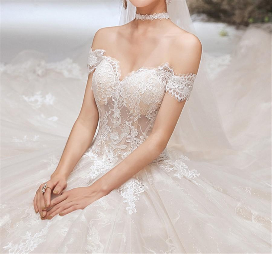Свадьба - 2020 Champagne Wedding Dress Lace Wedding Dress off the Shoulder Bridal Dress Cathedral Wedding Dress Illusion A Line Beach Wedding Dress