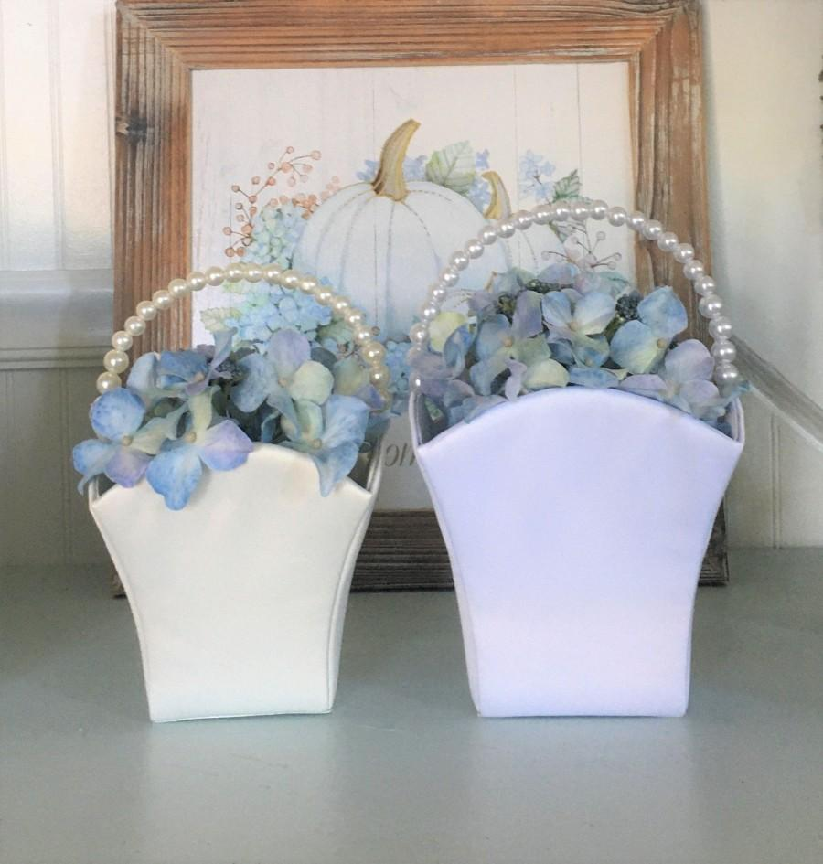 Mariage - Flower Girl Basket DIY Medium   White Satin or Ivory Satin Make your own basket Wedding Supplies White or Ivory