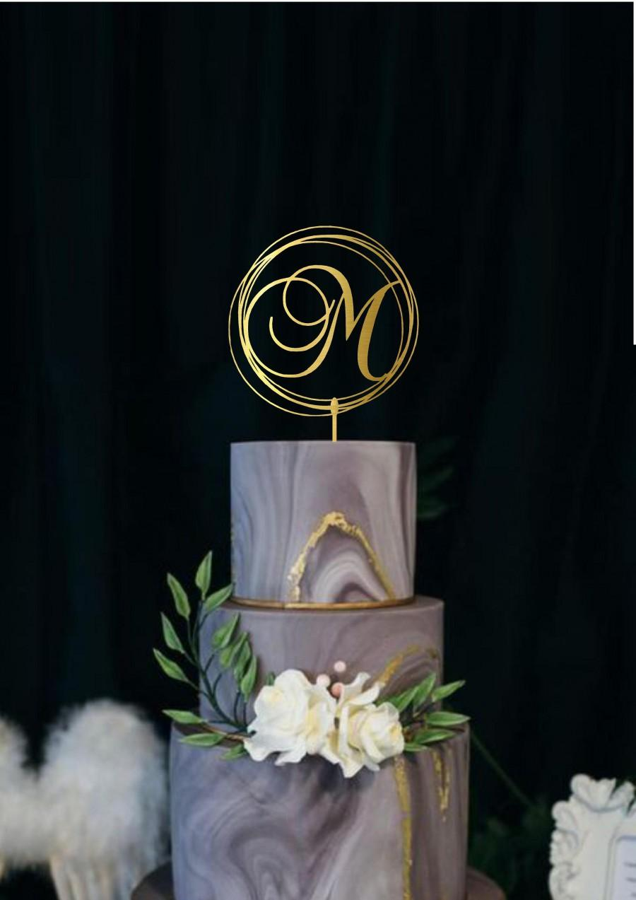 Mariage - Wedding Monogram Cake Topper Custom Letter Initial Modern Geometric Wedding Cake Topper Personalized Name Cake Topper