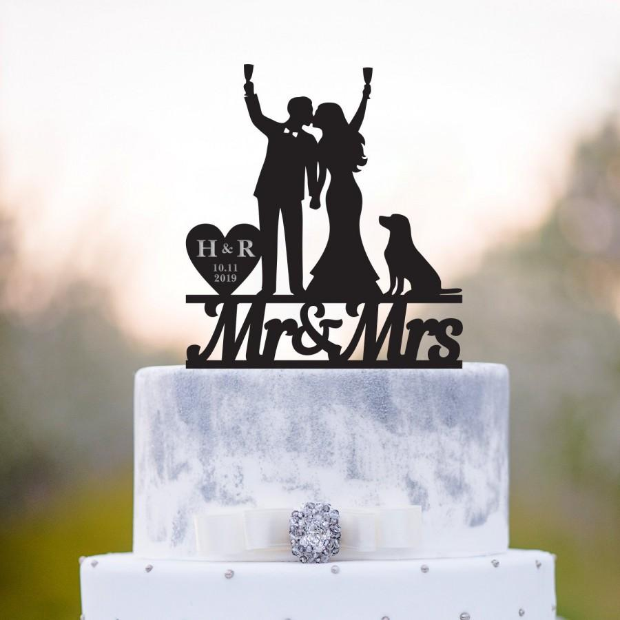 Hochzeit - Golden retriever cake topper,mr and mrs with dog,bride and groome cake topper with dog,dog cake topper,wedding cake topper with dog,a112