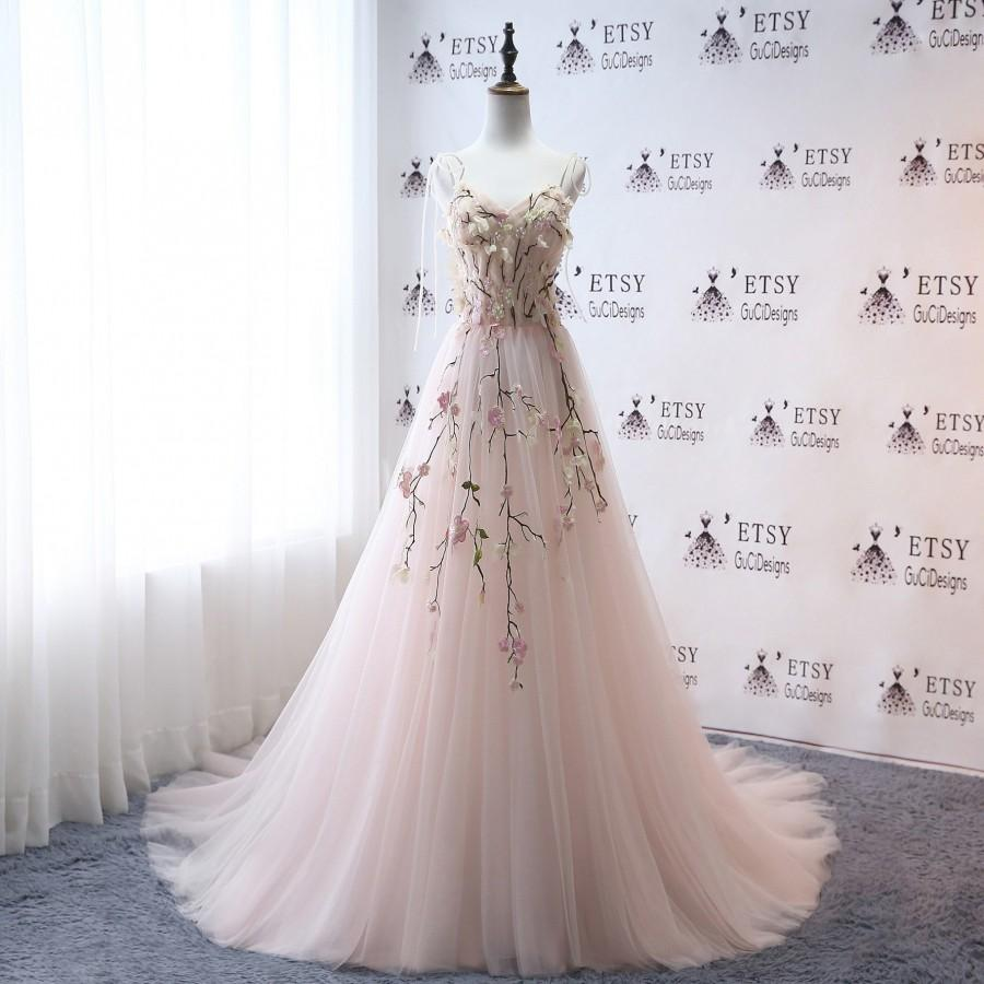 Hochzeit - Super Fashion Wedding Dresse Floral Embroidery Aline Bridal Gown Light Pink Celestial  Spaghetti Tulle Prom Gown Long Evening  Party Dress
