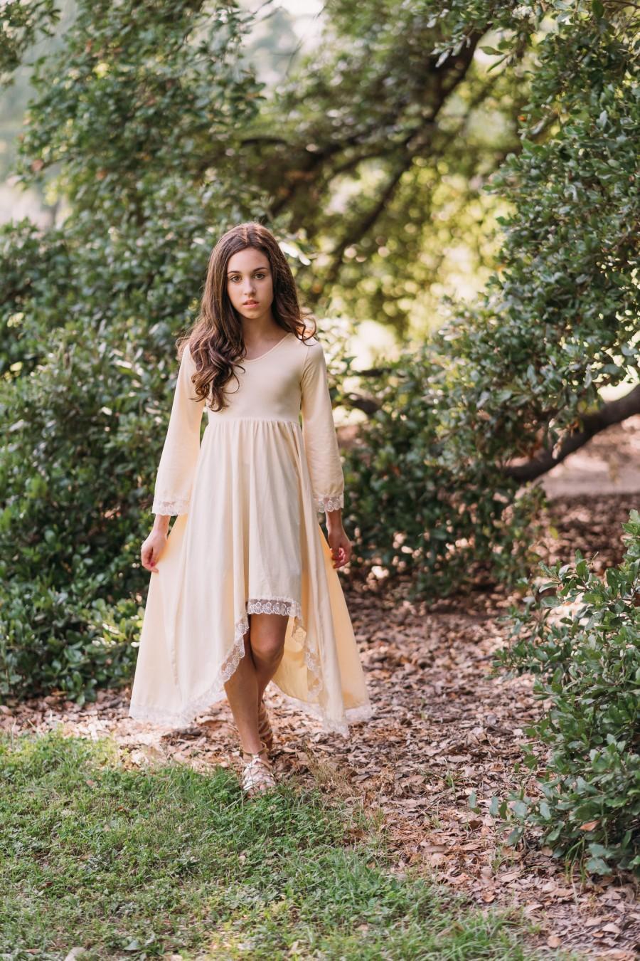 Hochzeit - Ivory Cream Flower Girl Dress Tween Rustic Country Maxi Dress Bohemian Jr Bridesmaid High Low Dress Hippie Bell Sleeves Romantic Guinevere