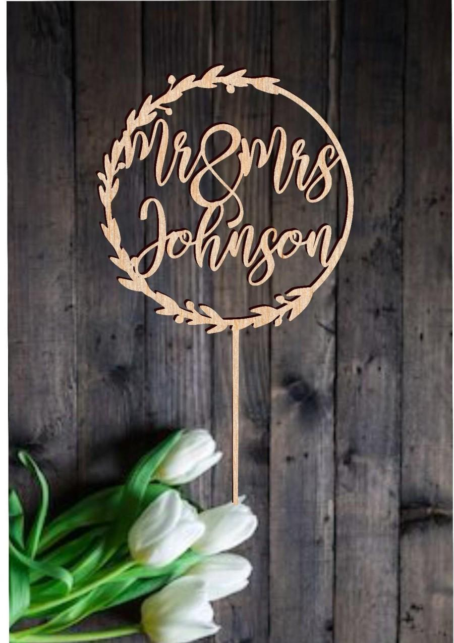 Hochzeit - Rustic Wedding Cake Topper with Surname Personalized Mr Mrs Last Name Calligraphy Customized Rustic Cake Topper Wreath Modern Rose Gold