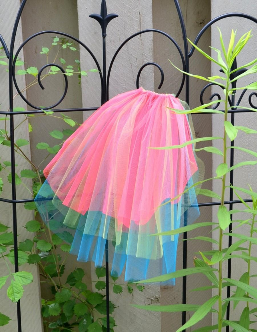 Mariage - Bright Neon Veil Bachelorette Offbeat Wedding - hot pink red / lime green / blue -Hen Stagette Party rainbow