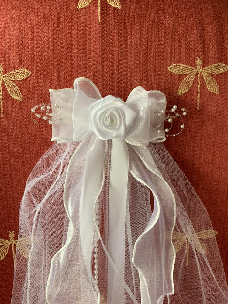 Свадьба - First Communion Veil ,White Satin Ribbon Rose on a Sheer Bow Veil with Ribbon and Pearl Streamers New