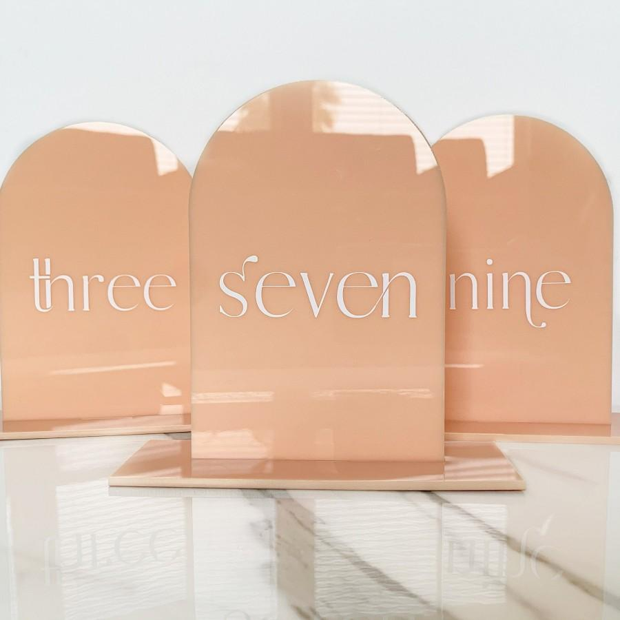 Hochzeit - Acrylic Table Numbers, Table Numbers, Arch Acrylic Table Numbers, Acrylic Wedding Table Numbers, Peach Table Numbers, Acrylic Arch Wedding