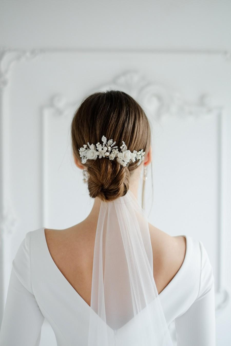 Hochzeit - Wedding headband for bride with handmade flowers. Bridal hair piece. Bridal comb with Swarovski pearls and crystals. Gift for bride to be