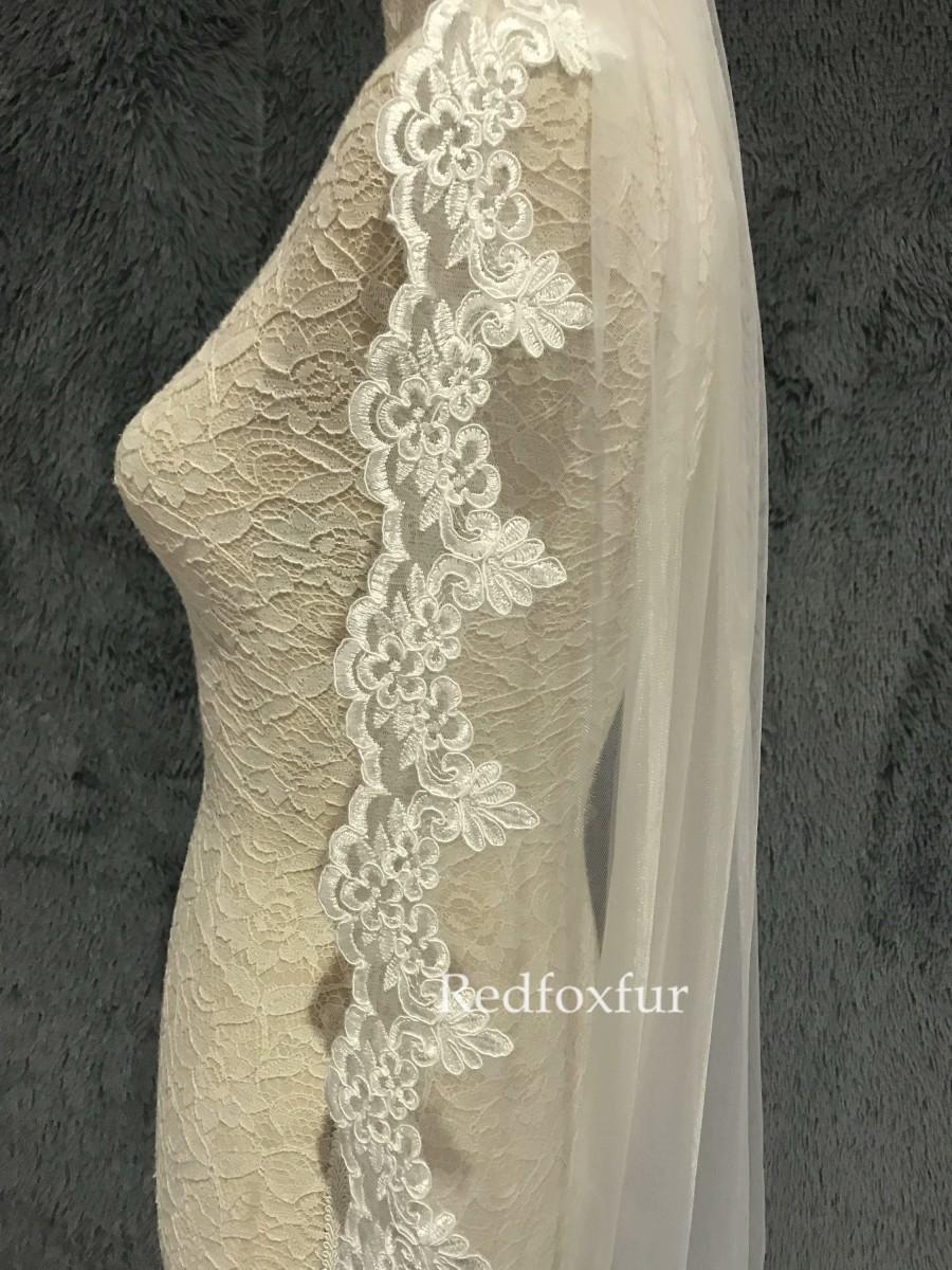 Hochzeit - Fingertip veil,Lace Veil,Wedding Bridal veil,Ivory Veil,Simple veil,Tulle veil,Wedding gift,1Tier Veil,Flower veil,Blusher veil,Short veil