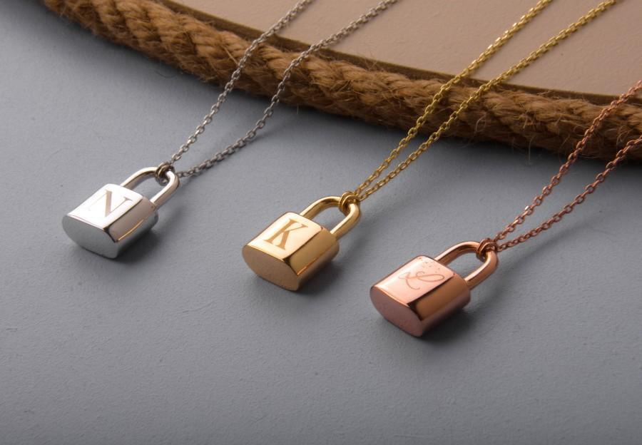 Свадьба - Initial Lock Necklace/ Padlock Necklace / Initial Bond Necklace/ Gift For Her/ Personalize Initial Necklace/ /Personalize Gift