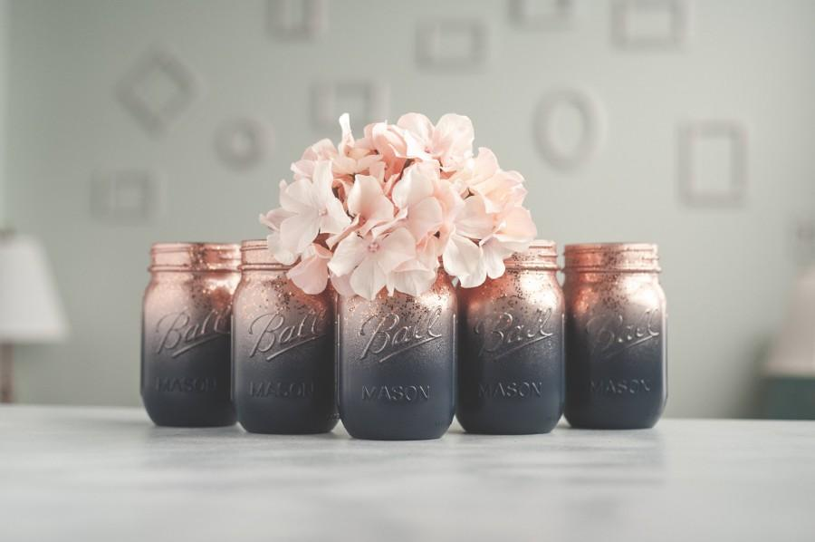 Mariage - Set of 6 Navy Blue and Rose Gold Wedding Vases, Painted Mason Jar Centerpieces, Ombre Jars