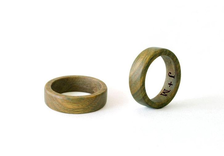 Свадьба - His and hers rings, couple rings, green sandalwood ring, Wooden Bands