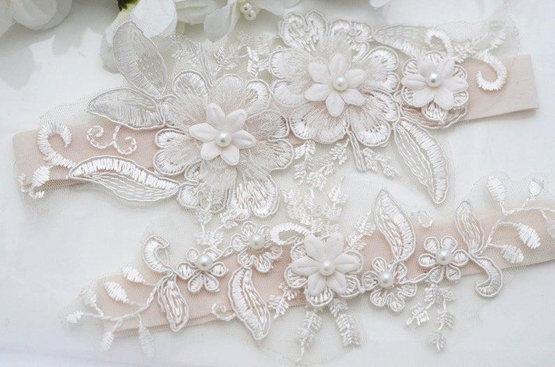 Hochzeit - Wedding Stretch Lace Garter Set, Bridal Garter Set, Wedding Garter Set, Bridal Lace Garter, Wedding Lace Garter, Crystal Garter Set