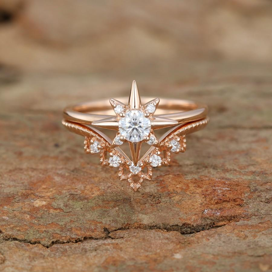 Mariage - 14K Rose gold engagement ring set Unique North star moissanite engagement ring vintage curve diamond wedding ring Anniversary promise gift