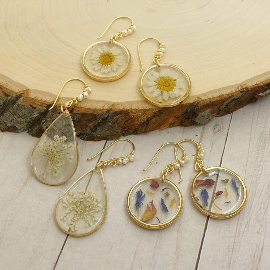 Wedding - Real flower earrings resin, flower earrings dangle, terrarium earrings, real flower memorial jewelry, daisy earrings dangle, wedding gift