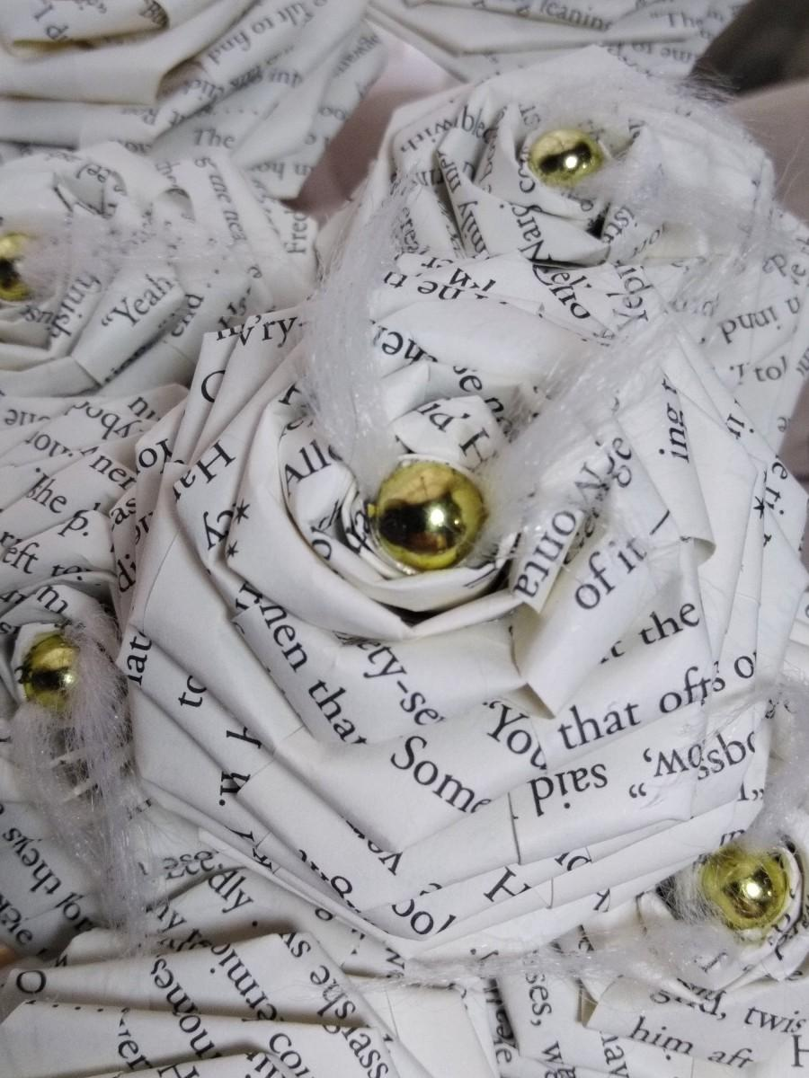 Mariage - 1 Dozen Harry Potter Book Page Flowers -12 Paper Roses - Wedding - Birthday - Book Page Flowers - Book Decor - Book Art