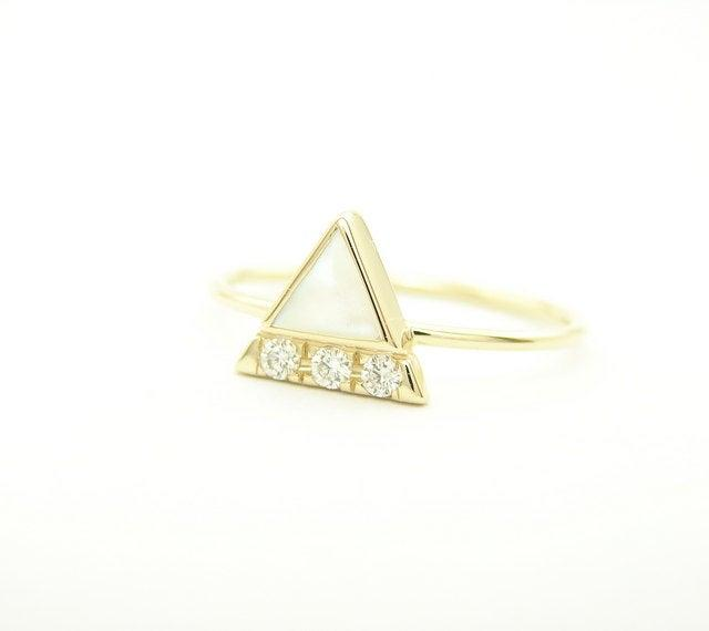 Свадьба - Diamond Ring - Triangle Ring - Mother of Pearl Triangle & Diamond Ring - Simple Engagement Diamond Ring - Halo Engagement Ring