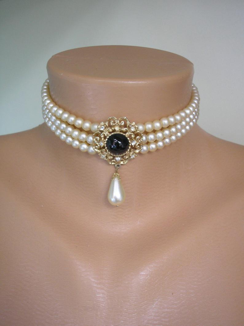 Wedding - Vintage SPHINX Pearl Choker, 3 Strand Pearls, Vintage Pearls, Faux Onyx, Bridal Pearls, Vintage Wedding, Cream Pearls, Choker Signed SPHINX