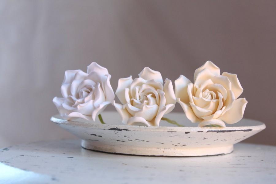 Wedding - Gardenia flower pin. White, light ivory or ivory color Gardenia hairstyles for brides , bridesmaids.