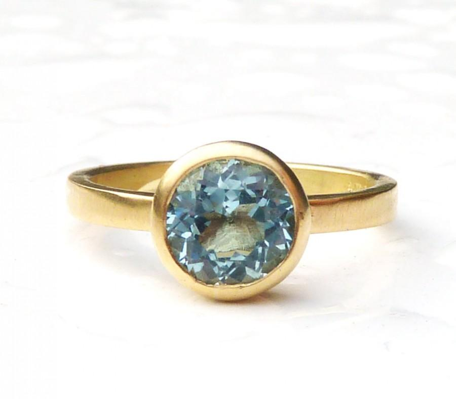 Свадьба - Recycled 18ct yellow gold aquamarine engagement ring