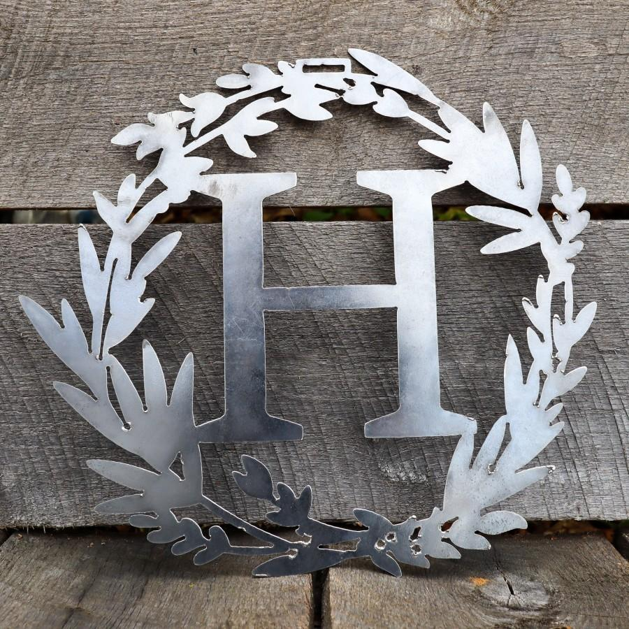Mariage - Custom Metal Monogram Spring Wreath - Initial Letter Front Door Hanger Decor - Best Wedding Gift 2021- Front Door Hanging Art-Free Shipping