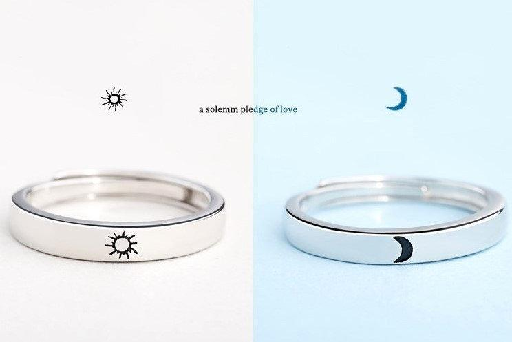 Mariage - Engraved 2Pcs Sun and Moon Lover Couple Rings Loves Ring, Promise Wedding Bands for Him and Her, Valentine Gift, Birthday Gift, Lovers Ring