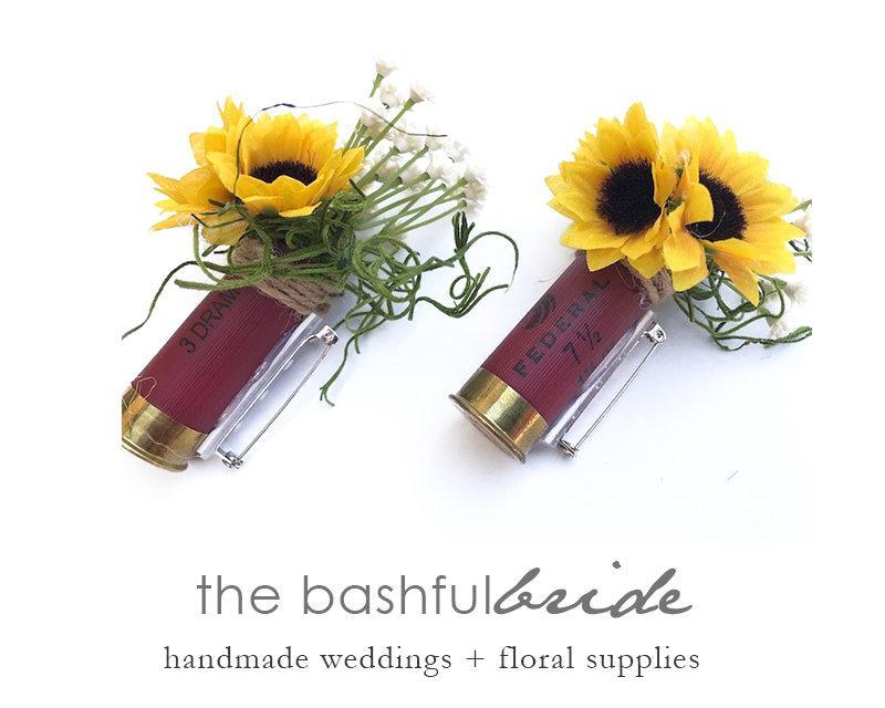 Hochzeit - Sunflower bullet boutonniere, shotgun shell, sunflower corsage, wedding corsage, shotgun boutonniere, faux sunflower, farmhouse wedding