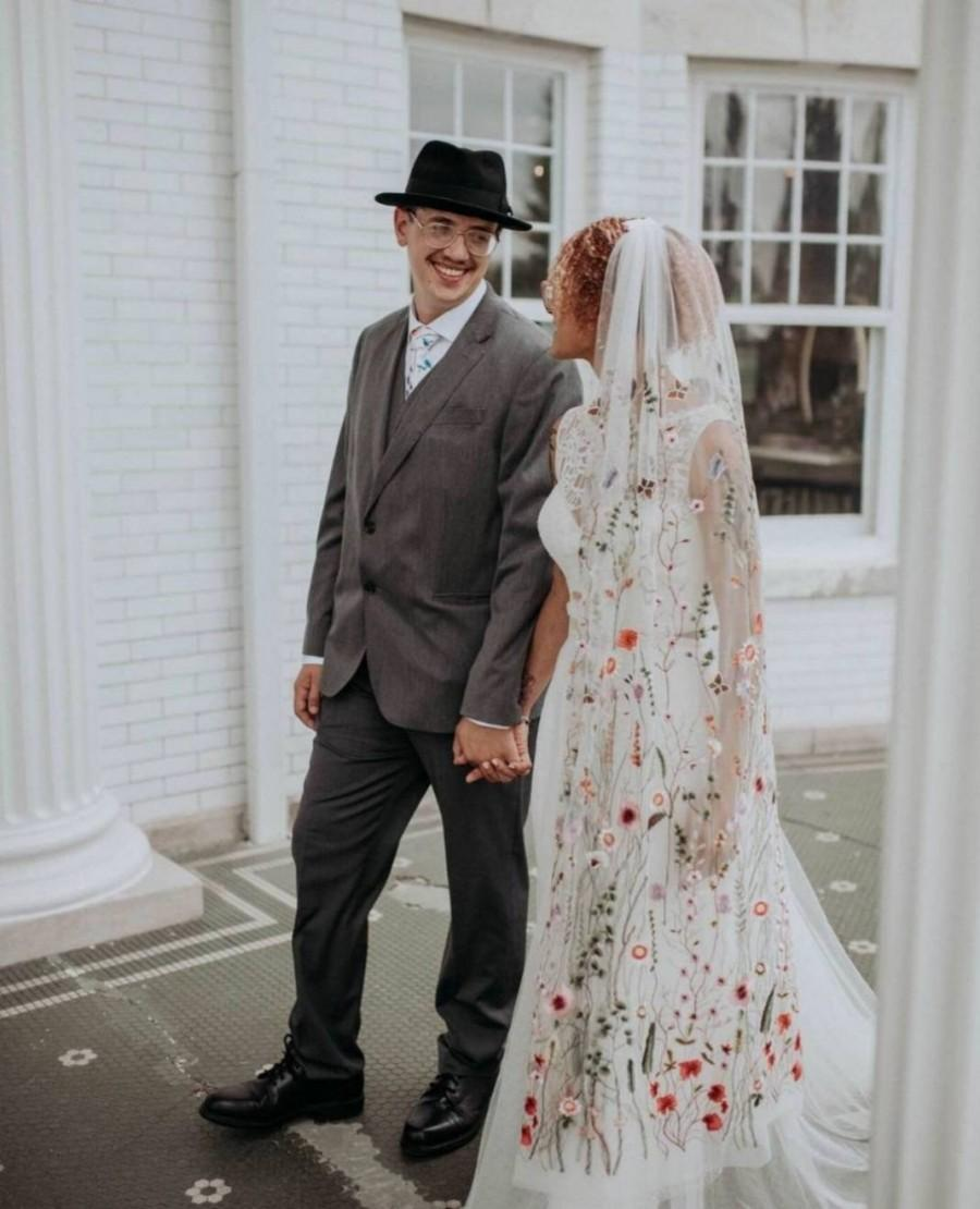 Wedding - Flower veil, Floral veil ,secret garden veil, boho veil,  wild flower veil, embroidered veil, flower and fawna, romantic veil,bridal veil