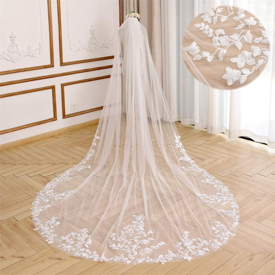 Hochzeit - Elegant Bridal Veil with Leaf Lace Applique Cathedral Wedding Veil Soft Tulle Wedding Veil Floral Lace Veil Ivory Chapel Bridal Veil