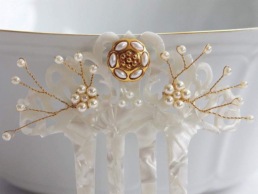 Hochzeit - Swarovski Pearl hair comb, Spanish comb Mantilla veil accessory, Mother of Pearl Peineta Bridal hairpiece, Gold hair comb Wedding Head Piece