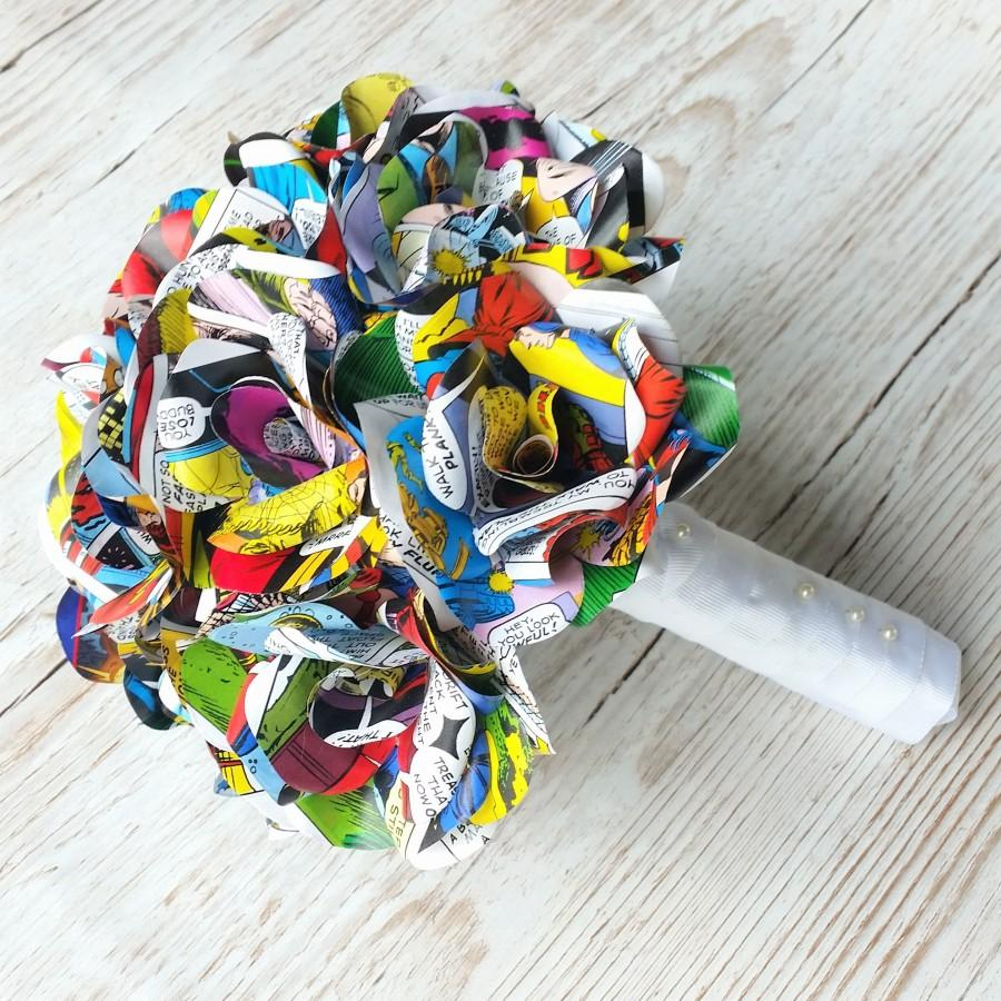 Свадьба - Comic Book Paper Flower Bridal Bouquet, Paper Roses Wedding Flowers, Cosplay Themed Wedding