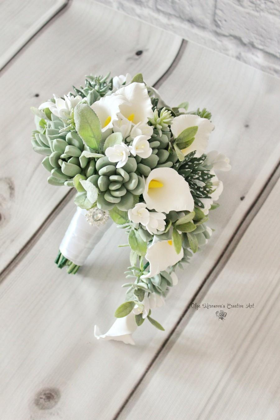 Свадьба - White calla lily wedding bouquet, Keepsake succulent bouquet, Cascading bridal bouquet, Teardrop bouquet, White calla lily bouquet