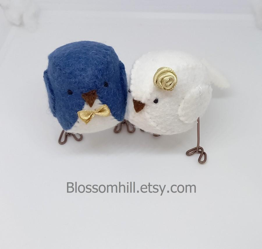 Wedding - Wedding cake topper. Lovebirds in French navy blue, white and pale gold