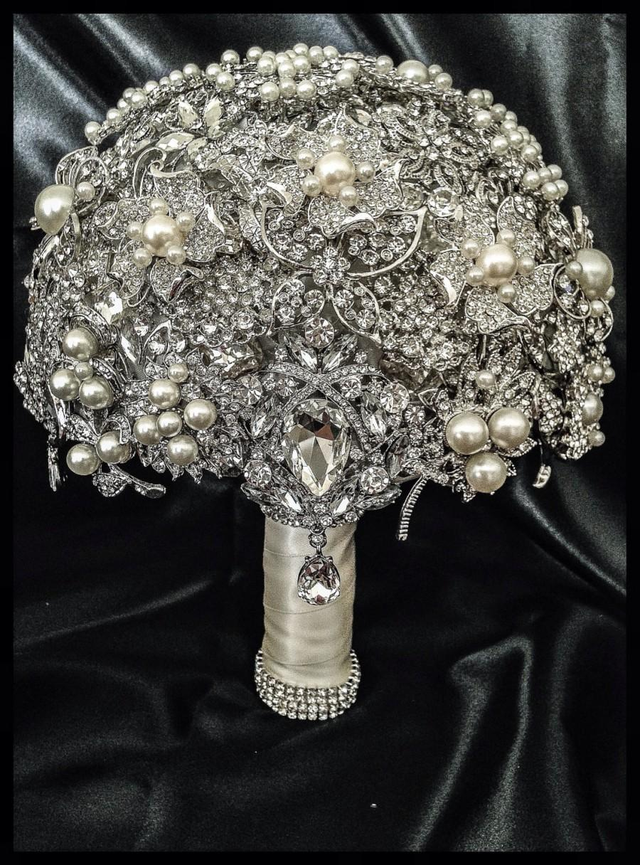 Hochzeit - Rich Classic Pearl Brooch Bouquet. FULL PRICE Crystal Bling Glam Pearl Brooch Bridal Bouquet. Pearl ivory silver Broach Bouquet