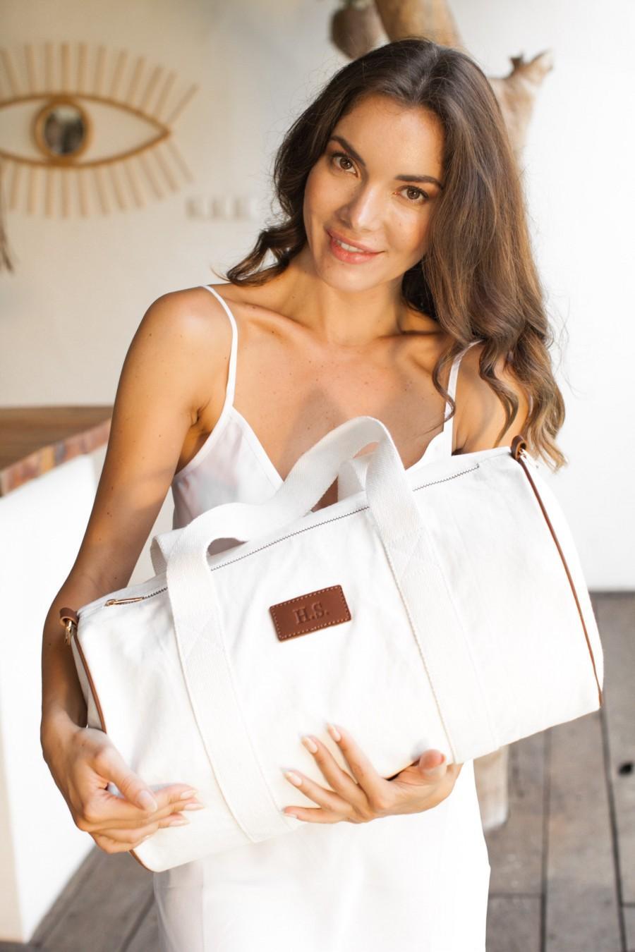 Свадьба - Monogram Duffle Bag Baby Bag Hospital Bag Personalized Baby Shower Gift Monogrammed Weekender Bags Bridesmaid gift