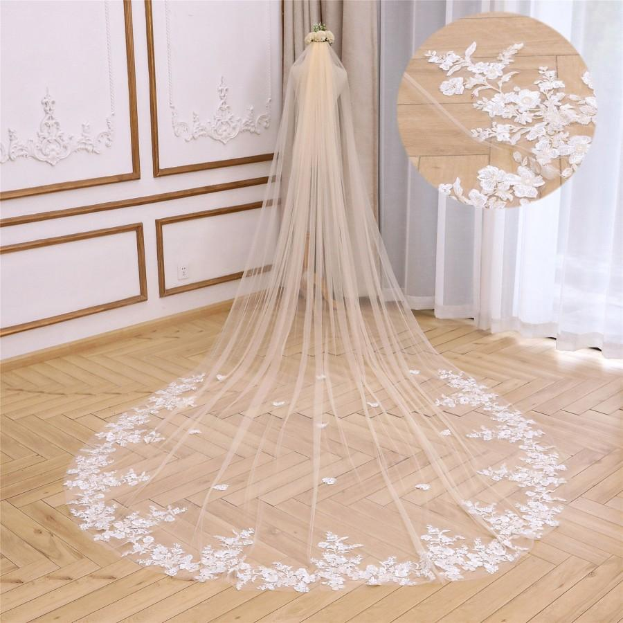 Wedding - Champagne Wedding Veil Dreamy Lace Bridal Veil Champagne Cathedral Veil Luxury Floral Lace Veil Flowy Veil for Wedding Long Chapel Veil 1T