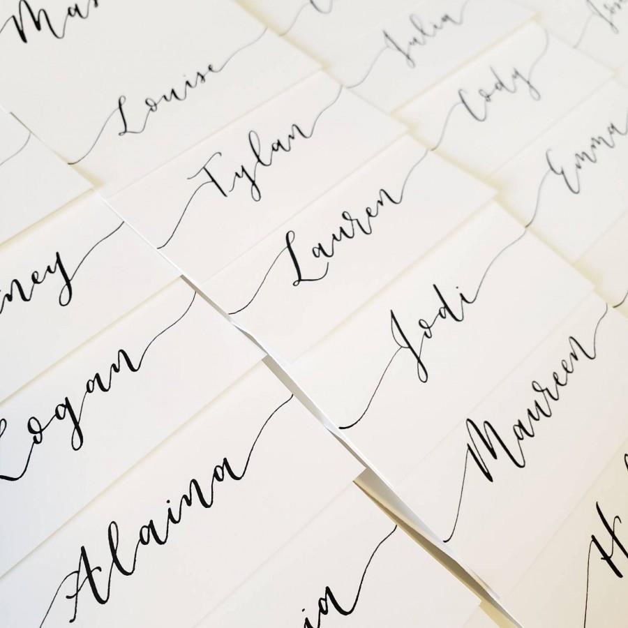 Hochzeit - White Calligraphy Place Cards