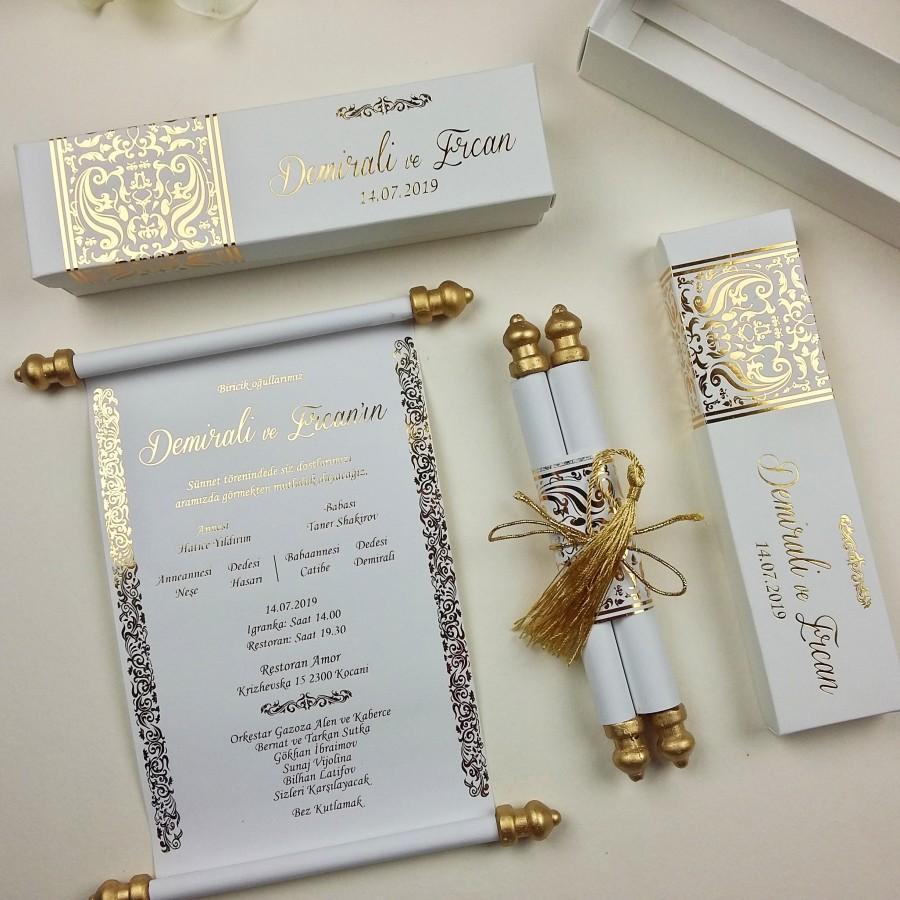 Mariage - SAMPLE Elegance Handmade Custom Design, Real Gold Foil, Imprinted Scroll Invitation, Boxed Embossed Wedding Invitation, Holographic Foil