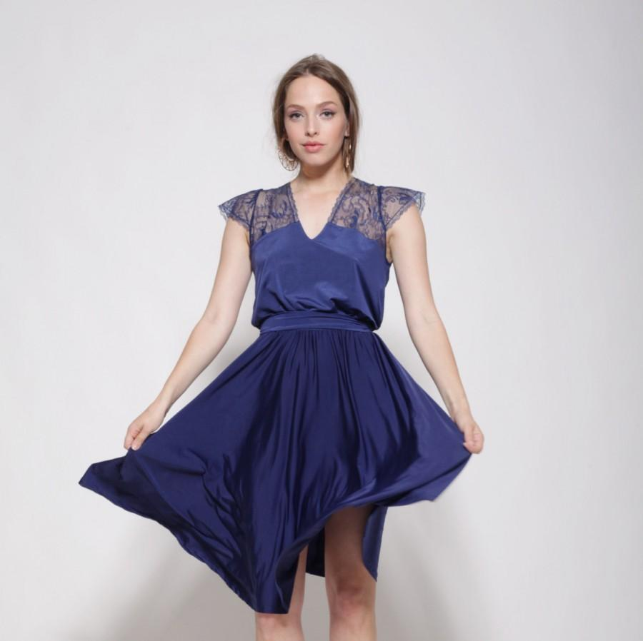 Hochzeit - Bridesmaids blue dress knee length, lace at the top and sleeves ,bell shape skirt, prom dress.
