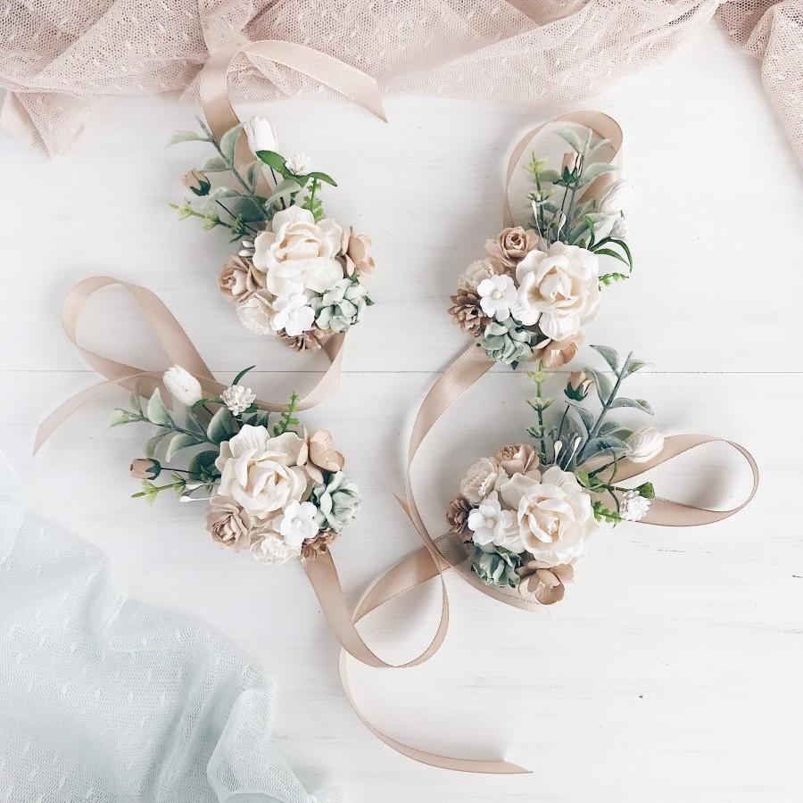 Wedding - Flower wrist corsage, Sage green bridesmaids corsage, White flower bracelet, White flower wrist corsage, Rustic wedding