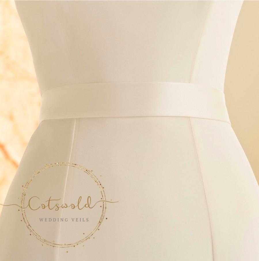 Mariage - Beautiful Bridal Belt, Plain Satin Belt, Wedding Dress Belt, Ivory, Pre Tied Satin Bow Belt, Illusion Bow Satin Bridal Belt