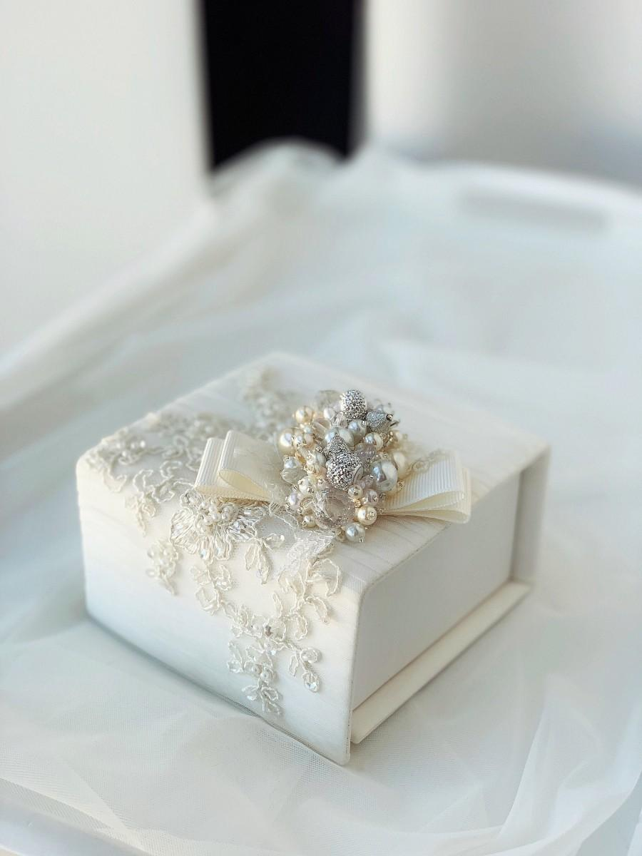Wedding - Ring bearer box with pillow, Luxurios wedding satin ring box, Ivory victorian ring pillow for ceremony, Personalized glamorous ring box