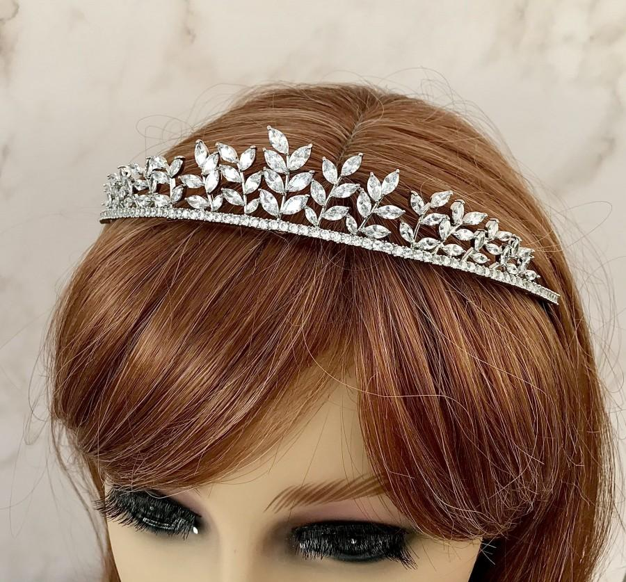 Wedding - Silver tiara Wedding tiara Tiara crown Crystal headpiece Bridal hair accessories Crystal tiara Wedding hair piece Bridal headpiece
