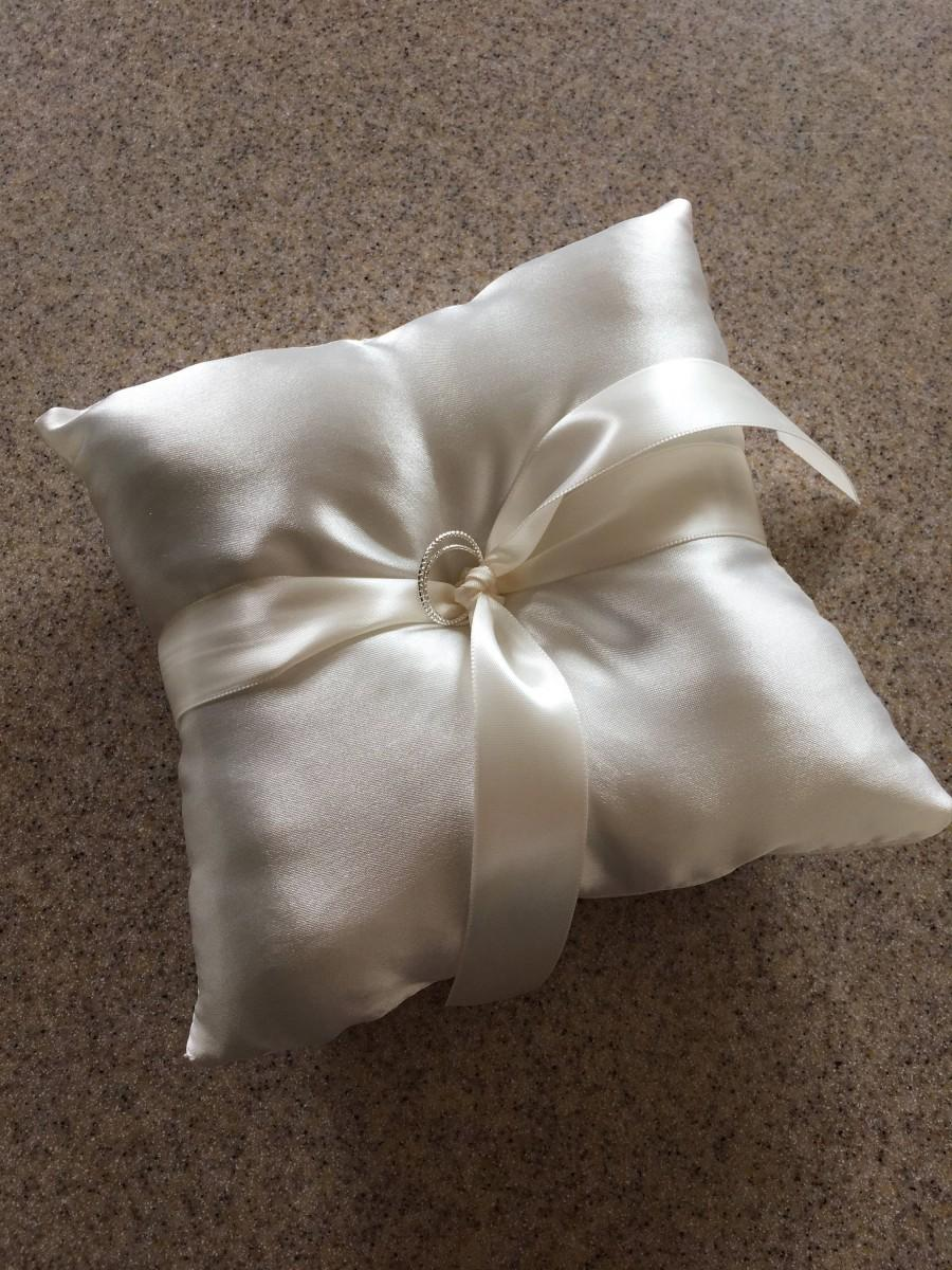 "Hochzeit - 7"" Ivory Satin Ringbearer Pillow with rings"
