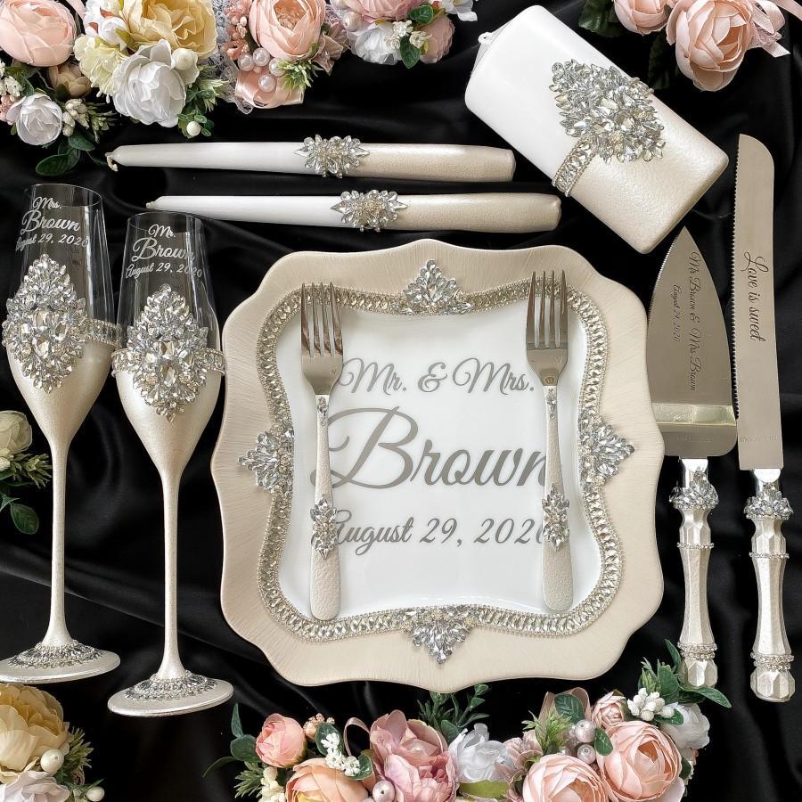 Wedding - cake cutting set Wedding toasting flutes  Cake knife and cutter Wedding serving set wedding party glasses  wedding glasses set