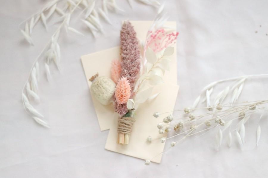 Wedding - Dried Poppy Seeds, Bleachd Ruscus Boutonniere / Groom Buttonhole / Lapel Pin