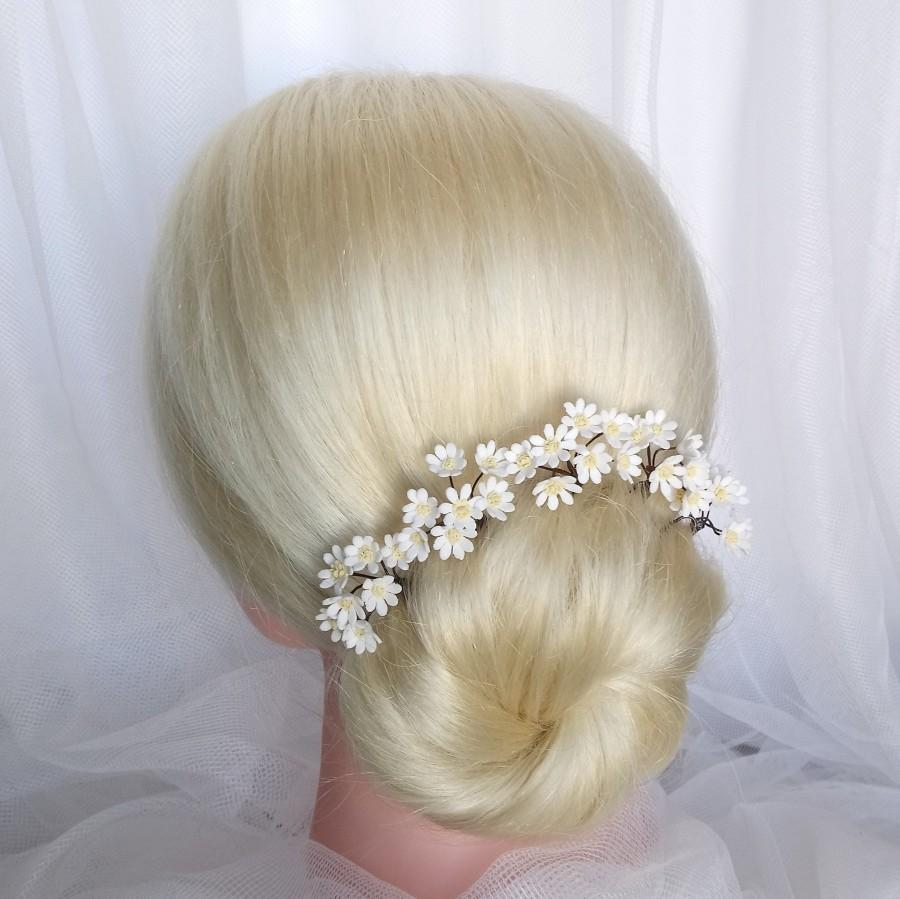 Wedding - Daisy hair pins White Rustic bridal flower hair pins Daisy wedding flower hairpiece Small white flower hair pin