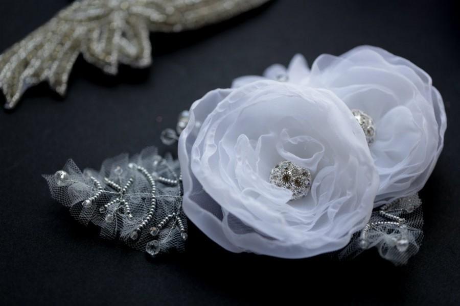 Wedding - flower fascinator, hair acessory, flower headpiece, Wedding headpiece, hair accessories, wedding accessories, bridal flower headdress