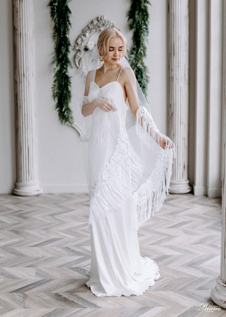 Mariage - Fringe veil Boho veil Bohemian Bridal Veil Tassel veil Bohemian Veil lace Wedding veil Boho Trim veil - Juliana